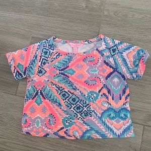 Girls cropped Lilly Pulitzer t shirt
